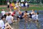 Baba mama úszás, ami ellazítja és felfrissíti gyermekét, és Önt is
