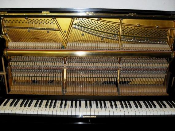 Zongorák és pianínók restaurálása, hangolása és adás-vétele