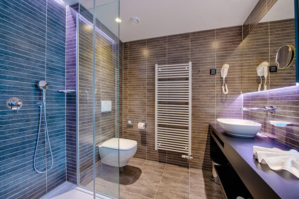Merítsen ötleteket fürdőszobája kialakításához bemutatótermünkben!