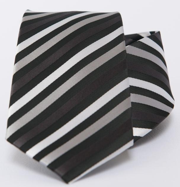 Sok lehetőség, sok selyem nyakkendő
