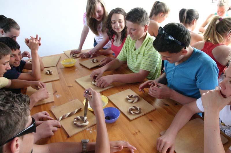 Izgalmas osztálykirándulás egy mesés folyóparton!