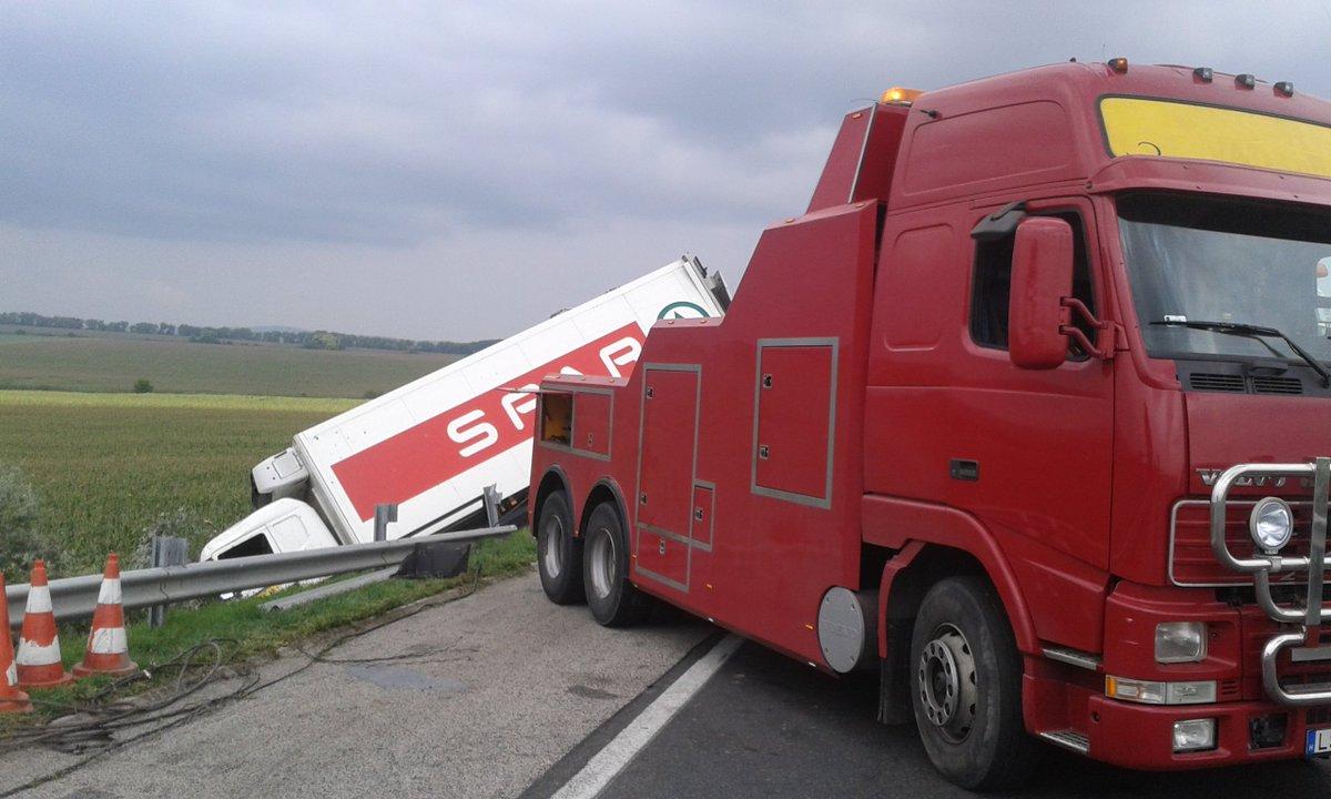 Non-stop kamionmentés külföldön is!
