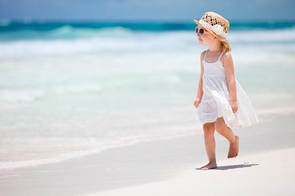 Miért vásároljon nyári gyerekruhát webáruházból?