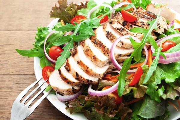 Változatos, friss ételek