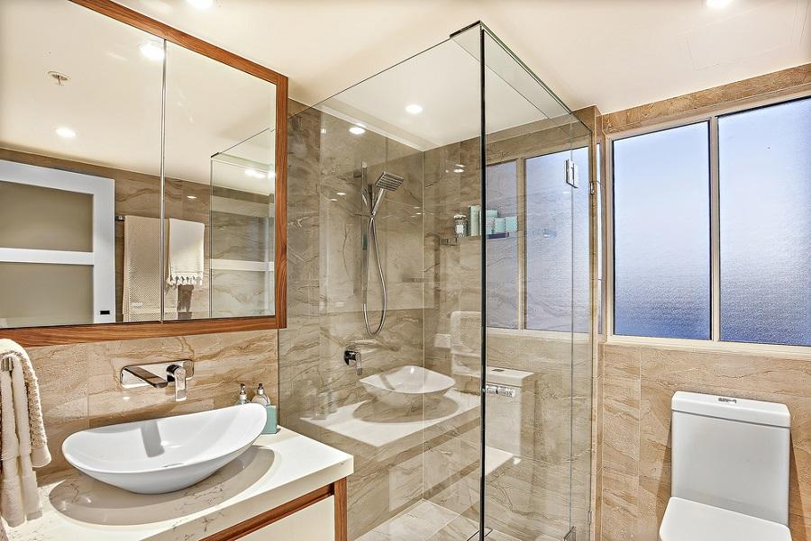 Helytakarékos és stílusos fürdőszoba kialakítás? Válasszon egyedi zuhanykabint!