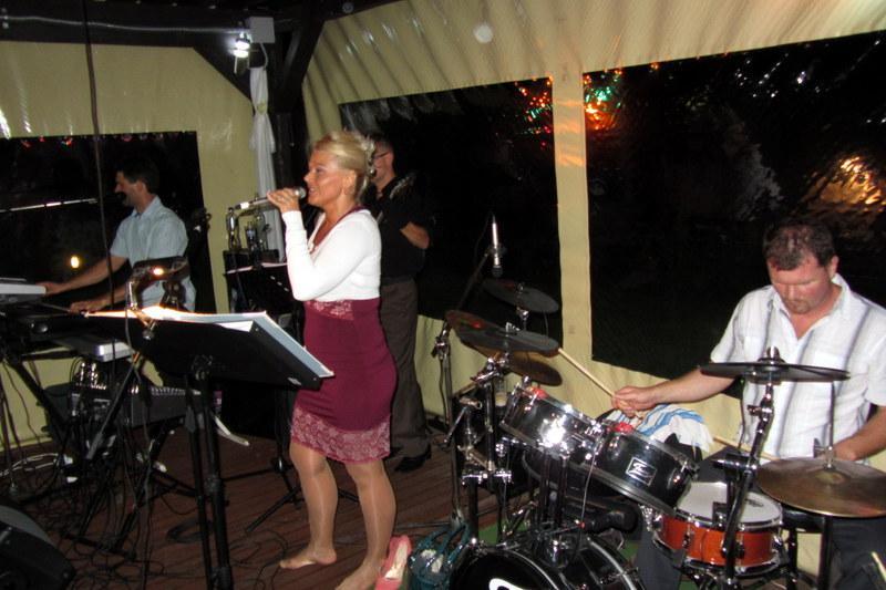 Az esküvői zenekarok ára megéri!