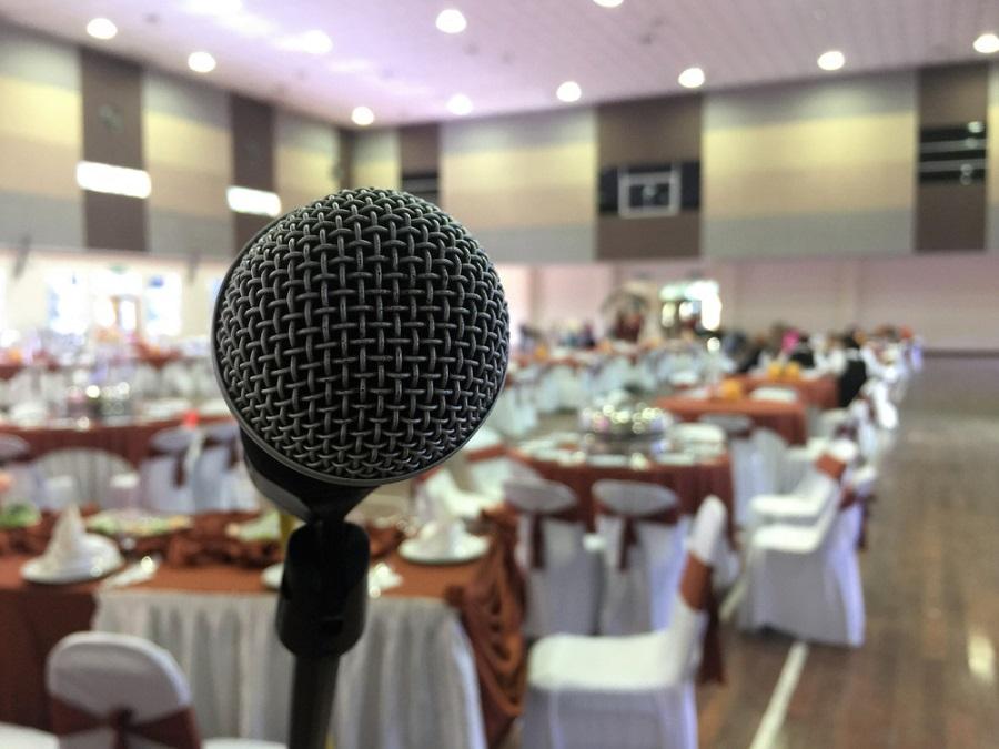 Hangtechnika bérlés esküvőre: színvonalas hangzás a nagy napon!