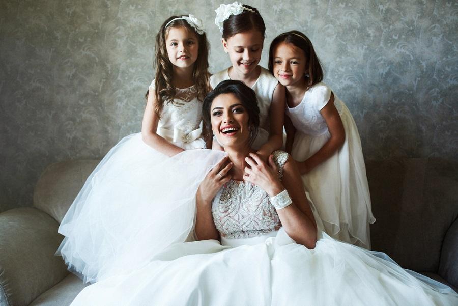 Kislány alkalmi ruhák a pici menyasszonyoknak