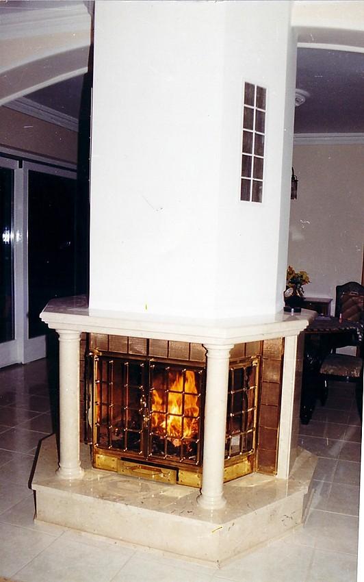 Panorámás kandallókkal mindenhonnan élvezheti a tűz látványát!